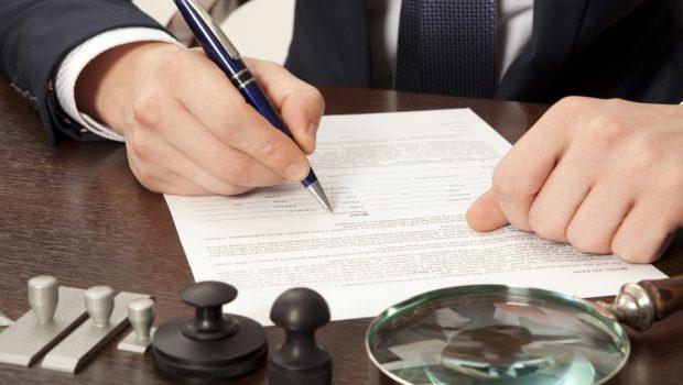"""Le bugie """"buone"""" prima o durante una causa dall'avvocato: cosa deve sapere il cliente Purtroppo, quando ci sono dimezzo gli affari, la mistificazione della realtà è una costante: è quello […]"""